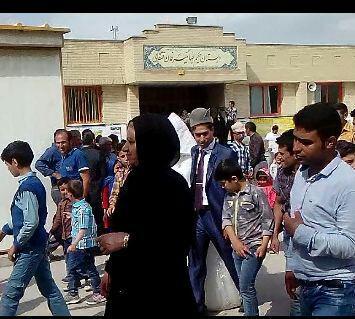 شرکت عروس و داماد قشقایی در انتخابات/عکس