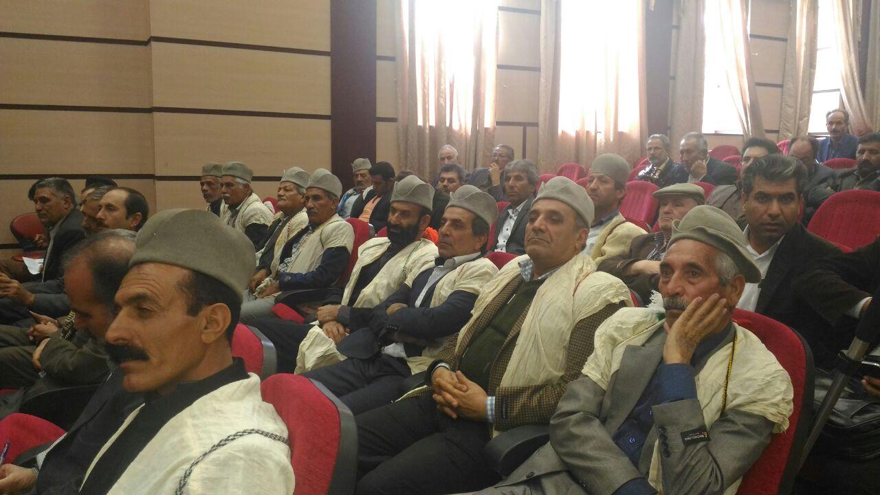 همزمان با هفته بسیج مجمع سران طوایف و معتمدین عشایر فارس برگزار گردید